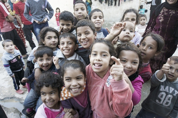 children from plage nour camp